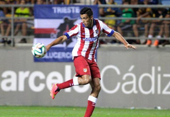 Raúl Jiménez es fuerte candidato para abandonar el Atlético de Madrid. (AP)