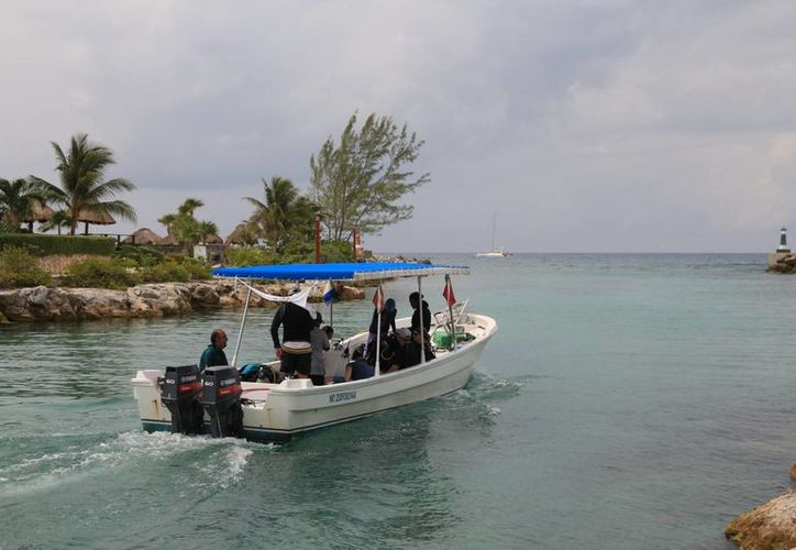Los prestadores de servicios náuticos de Puerto Aventuras esperan que su actividad repunte en el verano. (Adrián Barreto/SIPSE)