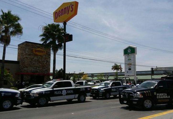 El ataque ocurrió afuera de este restaurante. (Milenio)