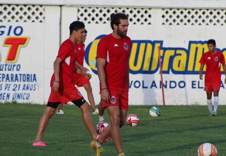 Pioneros de Cancún, aún no puede contar con sus extranjeros para el Torneo Apertura 2015. (Ángel Mazariego/SIPSE)