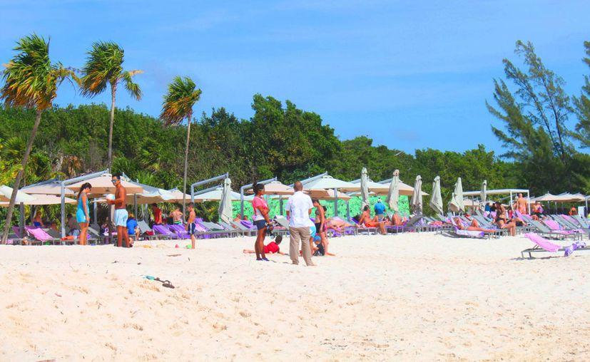 Las playas del hotel Paradisus lucen más extensas que hace unos días. (Daniel Pacheco/SIPSE)