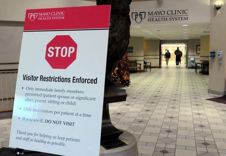 Las autoridades sanitarias redoblan esfuerzos para combatir el brote. (Agencias)