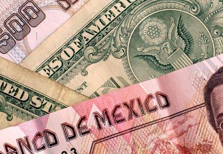 México obtiene un tercio de sus ingresos fiscales de sus ventas petrolera. (almomento.mx)
