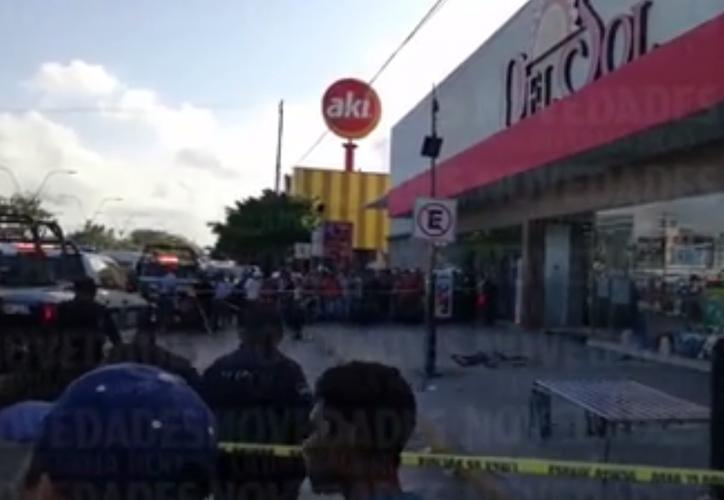 Los agresores propiciaron 15 puñaladas al hombre. (Foto: Captura del video)