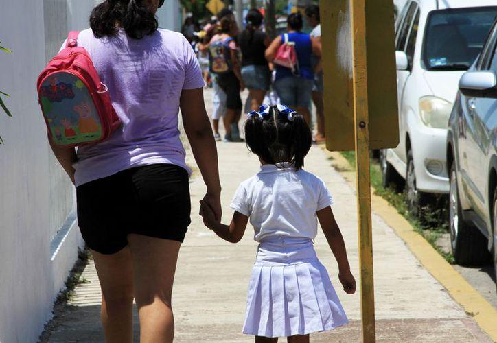 Recalcan que el uso de la vestimenta no será obligatorio, pero se podría portar los días lunes y de educación física. (Joel Zamora/SIPSE)