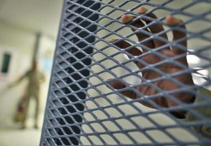 Con la libertad vigilada de sentenciados, las autoridades buscan reducir la saturación de las instalaciones penitenciarias del país. (Archivo/SIPSE)