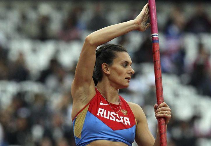 Isinbayeva gana confianza rumbo a los próximos Mundiales de Moscú. (Foto: EFE)