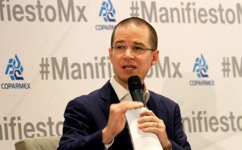 El candidato de 'Por México al Frente' aseguró que de ganar trabajará en conjunto con las tres órdenes de gobierno. (Foto: Notimex).