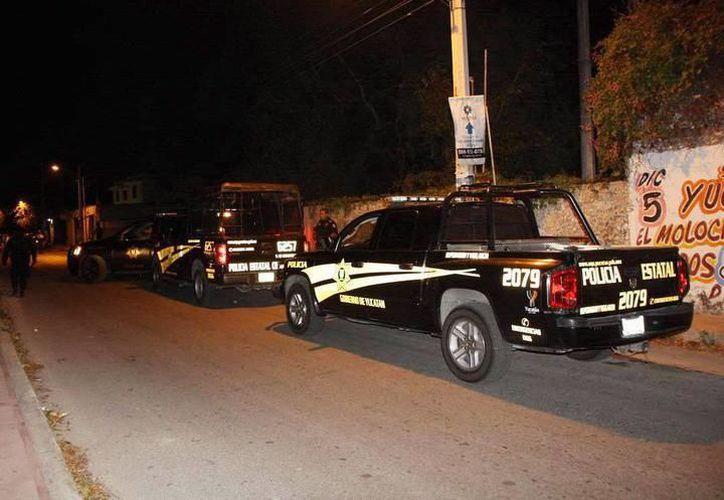 Un grupo en motocicleta escapó hacía el Puerto de Progreso sobre la calle 33, y fue perseguido por unidades policiacas. (SIPSE)