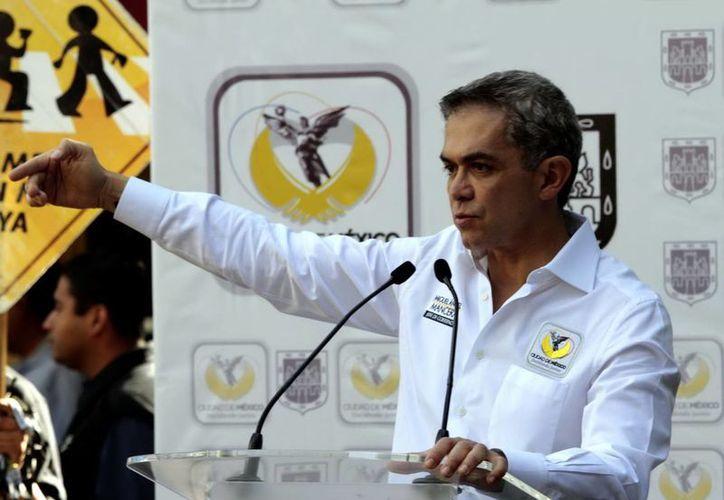 Senadores piden a Mancera interceder en el pleito con la CNTE para que ellos puedan volver a sesionar en San Lázaro. (Notimex/Archjivo)