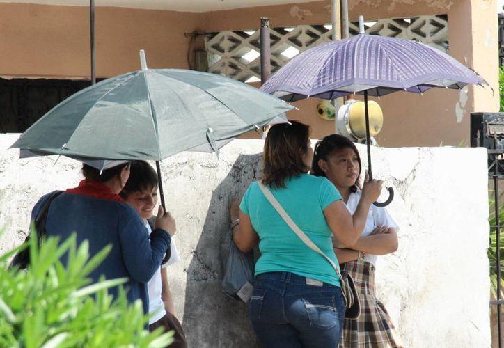 Este miércoles, Mérida tendrá un día parcialmente nublado con probabilidad de lluvias ligeras debido a un canal de baja presión, la entrada de humedad y el calentamiento diurno. (SIPSE)