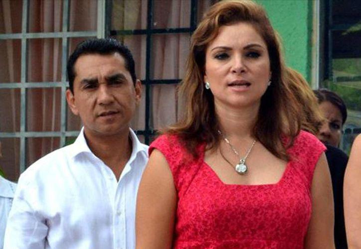 Imagen del exalcalde José Luis Abarca Velázquez y su esposa María de los Ángeles Pineda Villa, padres de Yazareth Abarca Pineda. (Internet)
