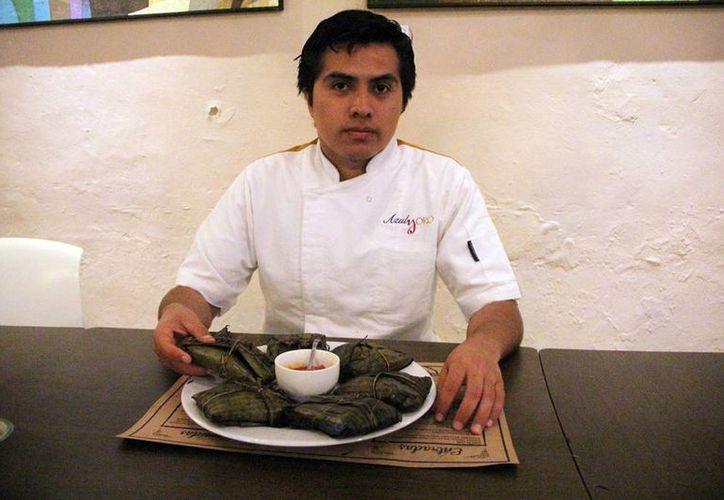 El chef Jafet Durán Camacho dio a conocer los detalles del proyecto  Diccionario Enciclopédico de la Gastronomía Mexicana donde se incluye recetas yucatecas. (Milenio Novedades)