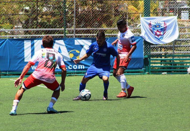 La cancha del Deportivo RCD Cancún vibró con las grandes actuaciones de los equipos. (Raúl Caballero/SIPSE)