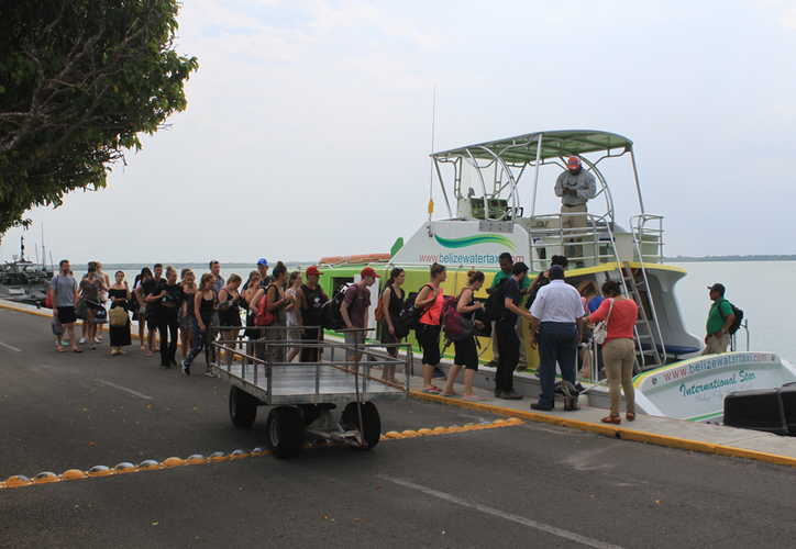 La mayoría de las personas que arriban vía marítima a Chetumal son de alto poder adquisitivo, informó la Canaco-Servytur. (Daniel Tejada/SIPSE)