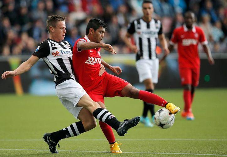 El mexicano Jesús Corona, Tecatito, abrió el marcador para Twente en partido de la Liga de Holanda contra Heracles. (adndeportivo.com)