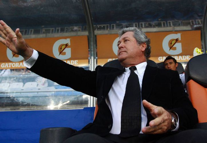 Víctor Manuel Vucetich, técnico del Monterrey se ubica en el final de la lista de FIFA sumó 5 puntos en la lista de los mejores técnicos del mundo. (Agencias)