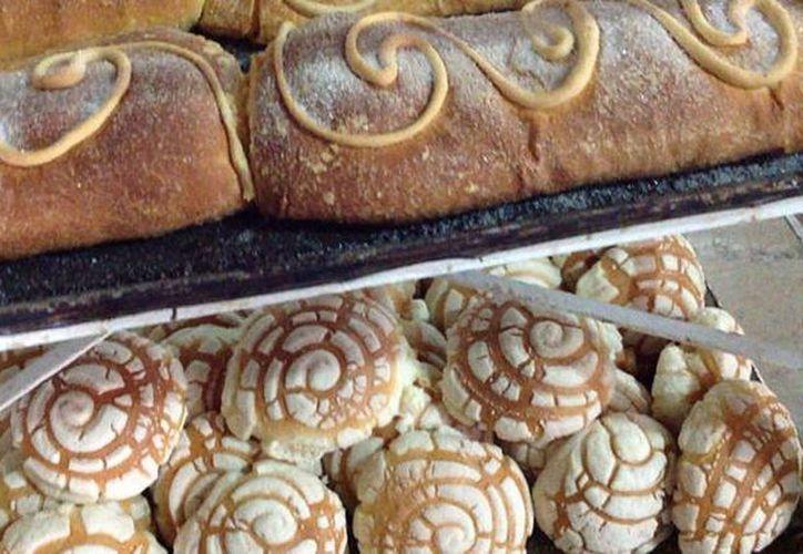 La Canainpa hace un llamado a los panaderos a que revisen sus costos y que sean muy eficientes. Imagen del estante de una panificadora. (Archivo/SIPSE)