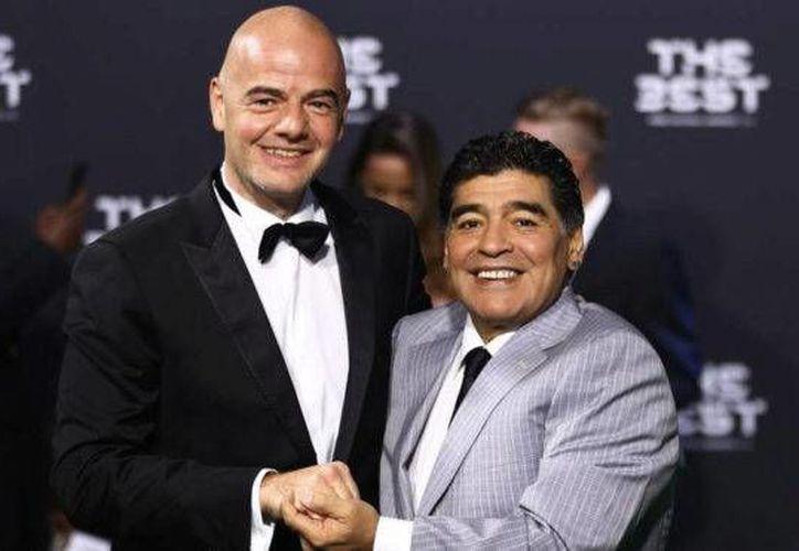 Maradona anunció en su cuenta de Facebook su vínculo con la FIFA.  'Finalmente puedo cumplir uno de los sueños de mi vida'. (marca.com)