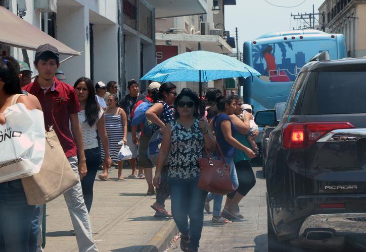 Se pronostican temperaturas máximas de 31.0 a 35.0 grados Celsius para los tres estados de la Península de Yucatán. (SIPSE)