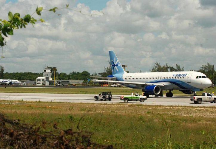 El vuelo comercial matutino que parte de la Ciudad de México con llegada a la ciudad de Chetumal, no presentó alteraciones. (Redacción/SIPSE)
