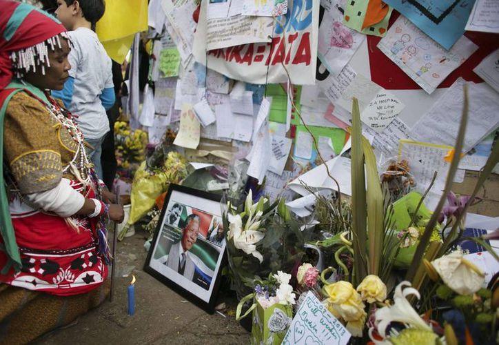 Nelson Mandela ha permanecido hospitalizado desde hace un mes. (EFE/Archivo)