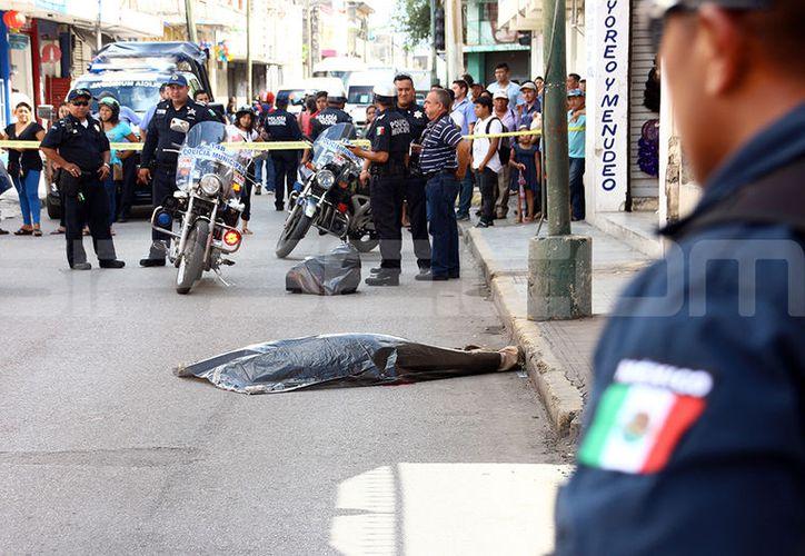 El accidente ocurrió  en la calle 52 entre 63 y 65 del Centro Histórico. (Jorge Pallota/SIPSE)