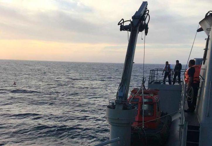 La Marina Armada de México rescató a un pescador extraviado en costas de Yucatán. (Cortesía)