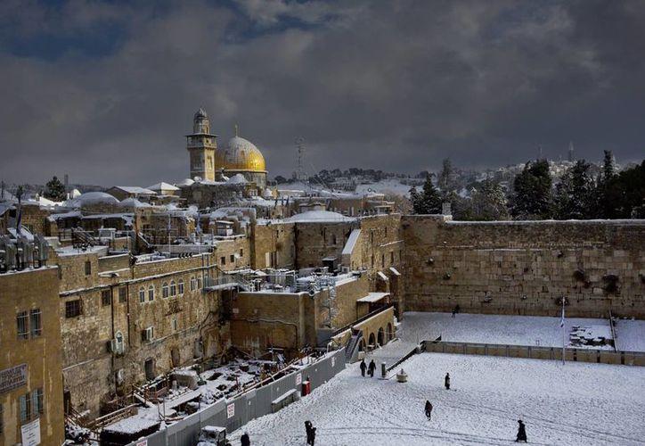 Imagen del 13 de diciembre de 2013 que muestra un área del Monte del Templo, ratificado el 26 de octubre de 2016 como Patrimonio de la Humanidad, resolución que molestó a Israel. (AP/Dusan Vranic)