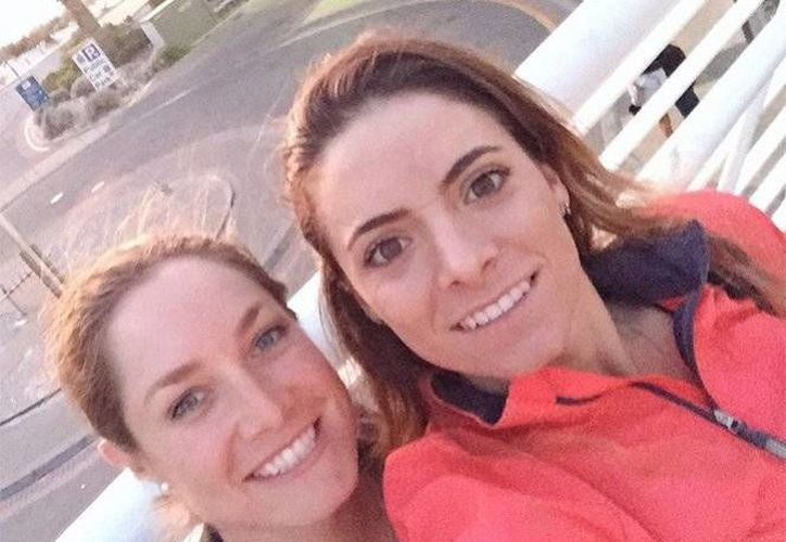 La mexicana Gaby López manifestó en twitter su emoción por poder competir en Río 2016. En la foto, con Alejandra Llaneza, la otra golfista mexicana que estará en Brasil. (@GabyLopezGOLF)