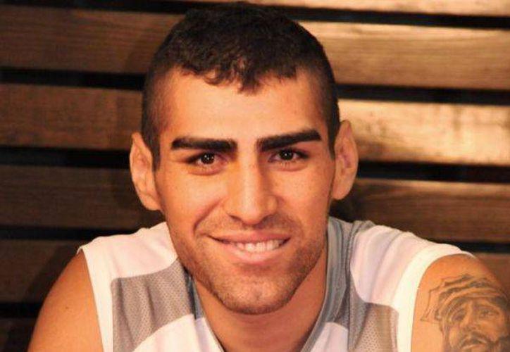 Javier 'Implacable' Prieto quiere ser el nuevo campeón ligero del Consejo Mundial de Boxeo. (notifight.com)
