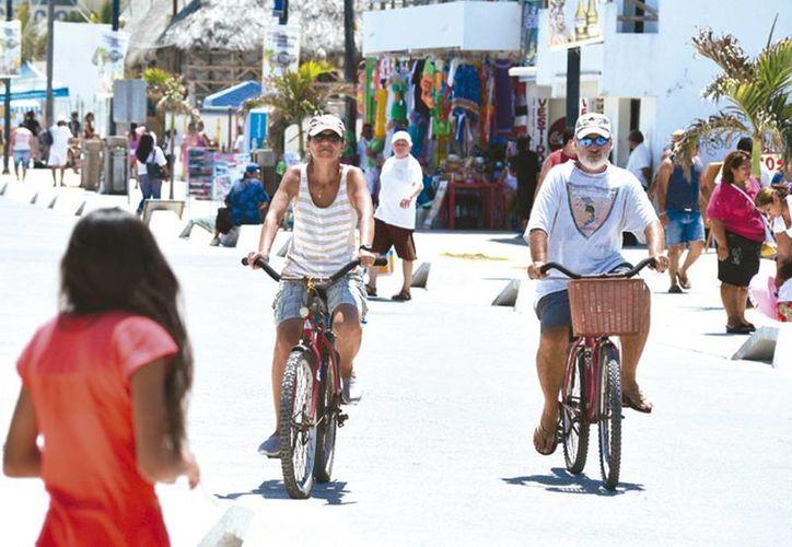 La bicicleta es ideal para viajes cortos en distancias menores a 10 km y es más eficiente que un automóvil. (Milenio Novedades)