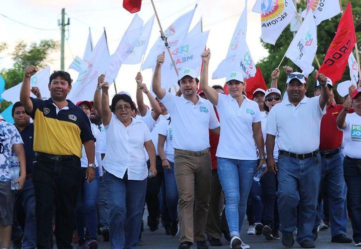 Pedro Joaquín ofrece un acercamiento con los ciudadanos mediante la activación de comités vecinales. (Redacción/SIPSE)