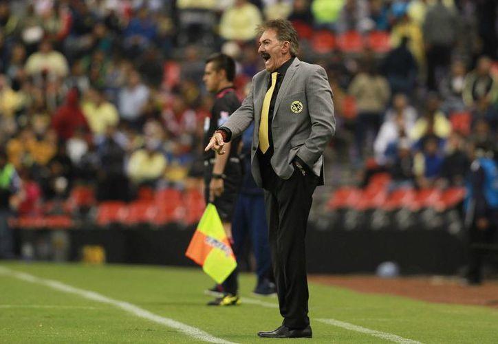 Ricardo La Volpe no podrá participar en el partido ante Cruz Azul, el cual se celebrará el próximo sábado 25 de febrero.(Jam media)