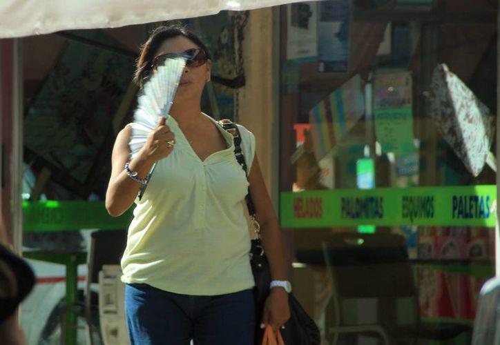 Las temperaturas calurosas se prolongarán en estos días en Mérida. (José Acosta/SIPSE)