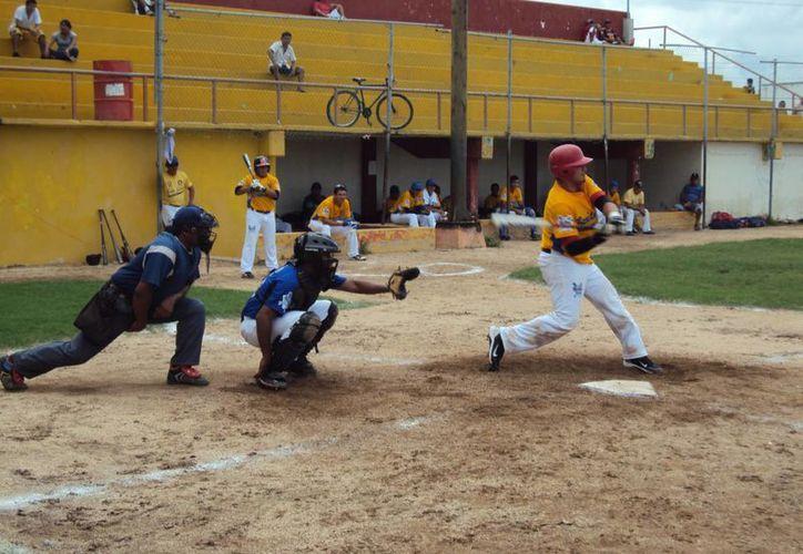 Esperan la confirmación de los equipos que participarán en el campeonato de béisbol. (Raúl Caballero/SIPSE)