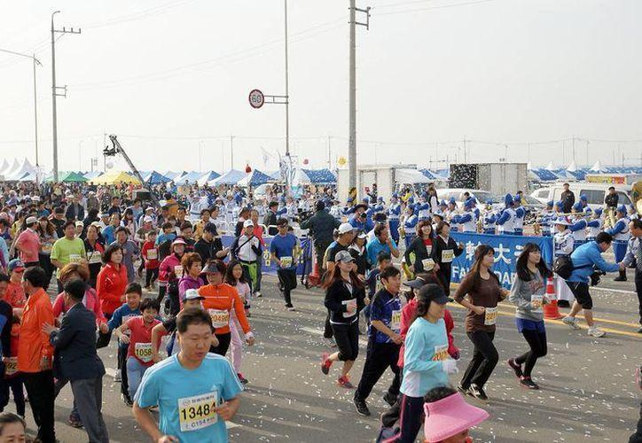 La prohibición a extranjeros de entrar a Corea del Norte para competir en el Maratón de Pyongyang es por el temor de que se propague el virus del ébola. (minghui.org)