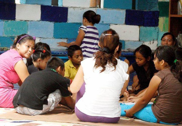 El 26 de abril el centro cultural El Hongo prepara un evento para recaudar juguetes para los niños que acuden a sus actividades. (Octavio Martínez/SIPSE)