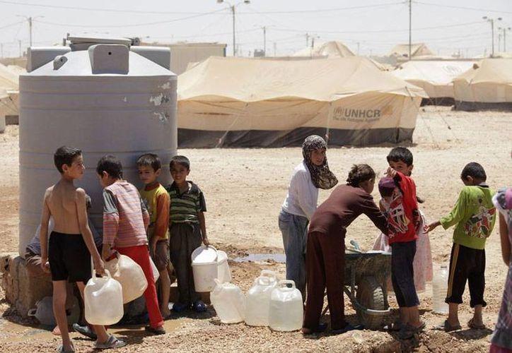 Actualmente, más de 1.9 millones de sirios han huido de la guerra y han sido registrados como refugiados o han solicitado el registro. (Archivo7AP)