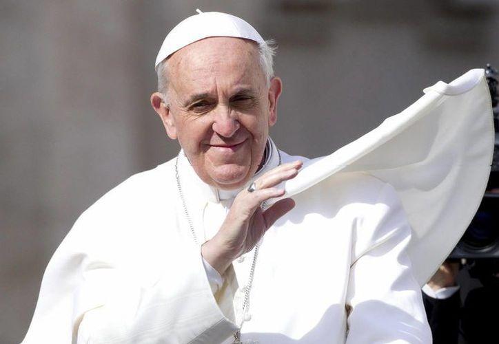 Después de las audiencias de este sábado, el Papa acudió a visitar al cardenal mexicano, con quien mantiene una amistad cercana.  (EFE)