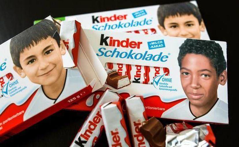 Imágenes de futbolistas alemanes cuando eran niños, en los chocolates Kinder. Las publicaciones ocasionaron molestia en racistas. (ansalatina.com)