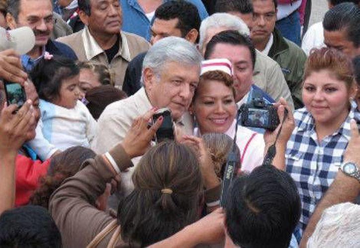 De gira por el interior de su tierra natal, Tabasco, López Obrador dijo que Morena se reserva el derecho de admisión. (Milenio)