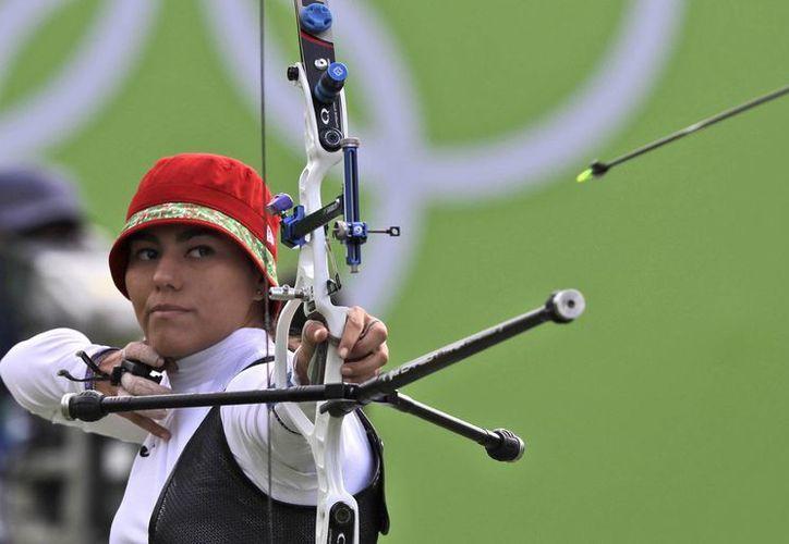 Alejandra Valencia finalizó en cuarto lugar en sus segundos Juegos Olímpicos de su carrera. (Alessandra Tarantino/AP)