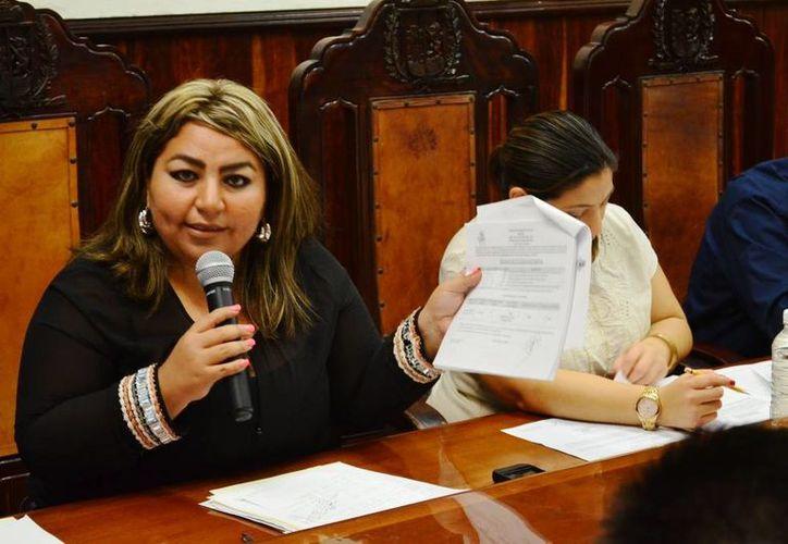 La regidora Alejandra Cerón Grajales denuncia anomalías en las licitaciones del Ayuntamiento de Mérida. (SIPSE)