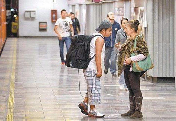 Los bocineros eran una fuente de ruido en el Metro. (Octavio Hoyos/Milenio)