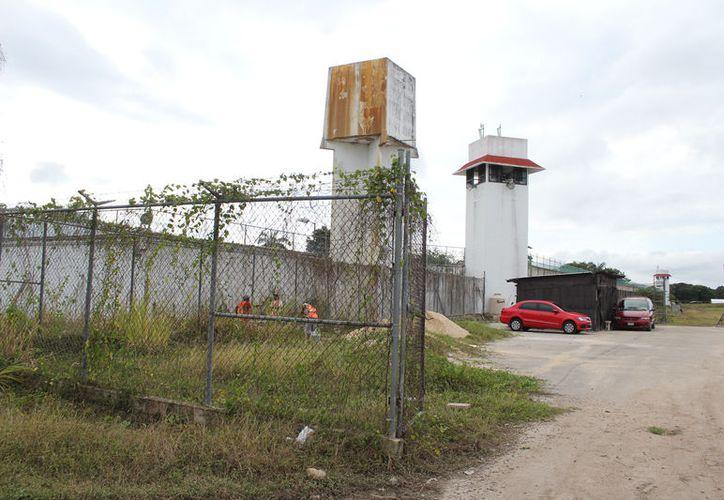 En el Centro de Reinserción Social de Chetumal existe sobrepoblación y hacinamiento en diversas áreas. (Joel Zamora/SIPSE)