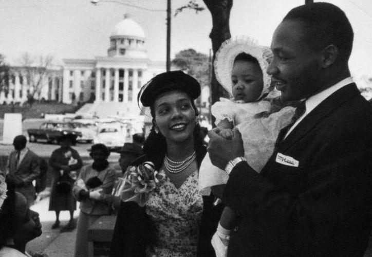 Existen fotos que ilustran la presencia de los hispanos en la marcha de 1963. (Archivo SIPSE)