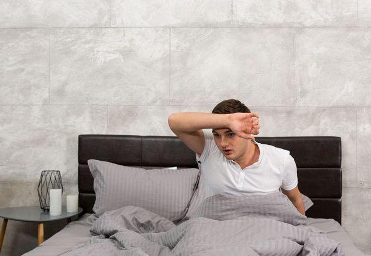 Seguro has despertado a la mitad de la noche empapado en sudor. (Formato Siete)