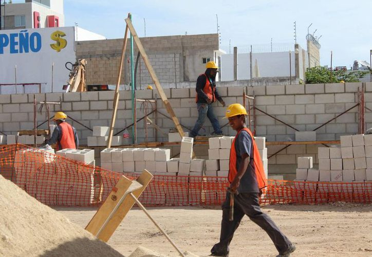 Destinarán dos mil 300 millones de pesos para infraestructura para colonias y escuelas. (Foto: Eddy Bonilla/SIPSE)