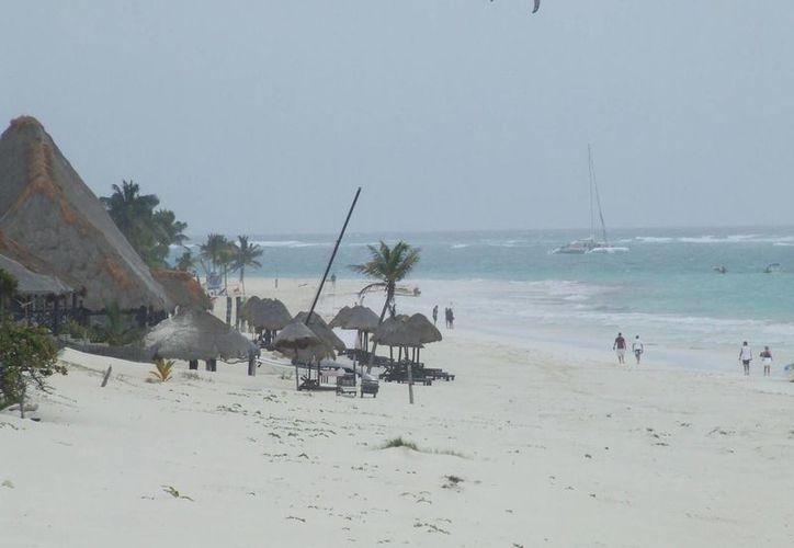 El mal tiempo ha ocasionado que se paralicen las actividades turísticas en el municipio de Tulum. (Rossy López/SIPSE)
